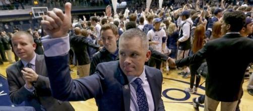 Coach Holtmann celebrating Butlers win (Scott Horner/IndyStar)