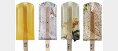 Polluted water popsicles, i ghiaccioli all'acqua inquinata ideati da tre studenti di Taiwan per denunciare l'inquinamento dei loro mari.