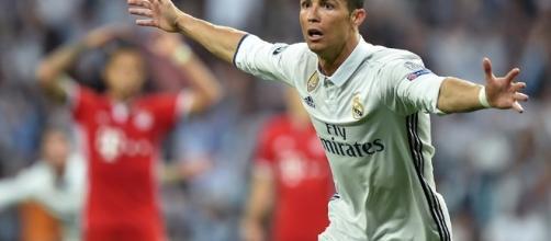 Ronaldo papà di due gemelli, doppietta per il portoghese