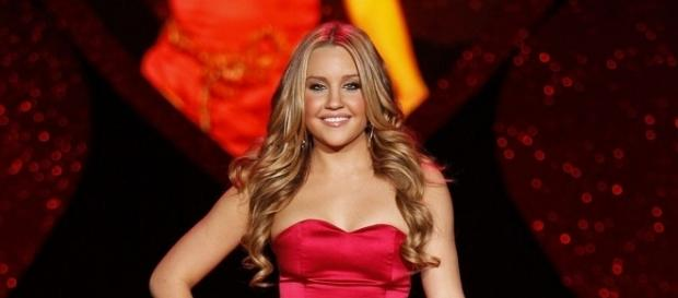 Amanda Bynes at Heart Truth 2009 - The Heart Truth via Wikimedia Commons
