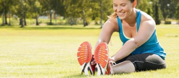 Atividade física e hábitos alimentares andam juntos quando o que se busca é uma vida saudável ( Foto: Reprodução)