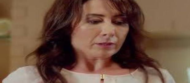"""""""Cherry Season"""", Oyku confida la verità a sua madre"""