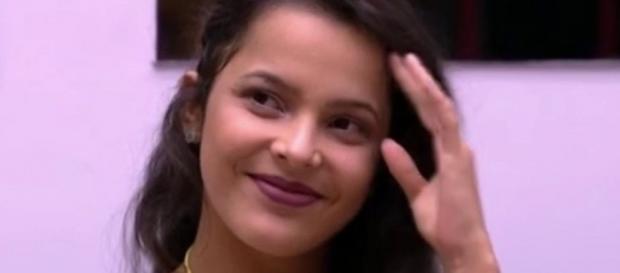 Emilly tem feito testes nos estúdios da Globo (Foto: Reprodução)