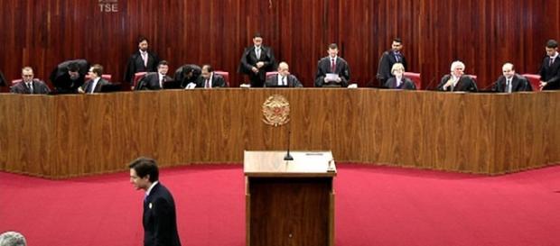 Filho de ministro do TSE tentou invadir plenário do julgamento da chapa 'Dilma-Temer'