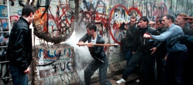 Il 9 novembre sarà il 28° Anniversario dalla Caduta del Muro di Berlino, data simbolo per eccellenza di libertà contro ogni divisione