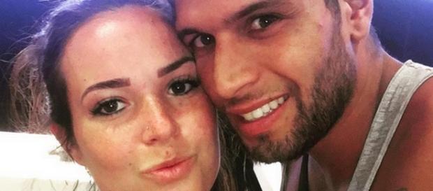 Kelly et Neymar (Moundir et les Apprentis Aventuriers 2) nous présente leur fils Lyam.