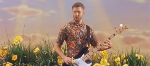 """Calvin Harris has the """"feels"""" in his new track with Big Sean, Pharell Williams, and Katy Perry. (YouTube/CalvinHarrisVEVO)"""