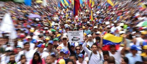 "Constituyente ""popular"" propuesta por Maduro agudiza crisis en ... - laprensa.hn"