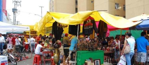 Gobierno de CDMX retira a ambulantes de Eje 1 - Noticias MVS - noticiasmvs.com