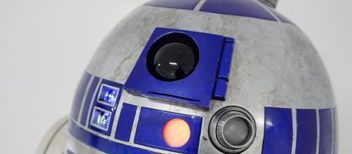 R2-D2 used in 'Star Wars' sold for record amount at auction/Photo via Pixabay