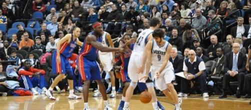 Ricky Rubio (with ball) of the Minnesota Timberwolves (Wikimedia Commons - wikimedia.org)
