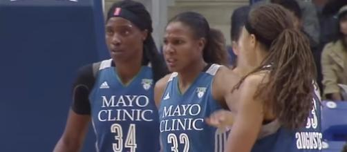 The Minnesota Lynx captured a 91-83 win over the Phoenix Mercury on Friday night. [Image via WNBA/YouTube]