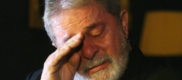 Com futuro incerto, mas provavelmente levando Lula a condenação, o Brasil se vê ansioso. ( Foto: Google)