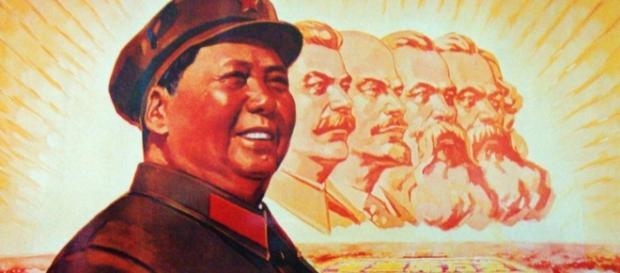 Intentando hacer pasar el comunismo de distintos países por una ideología unitaria y unidireccional