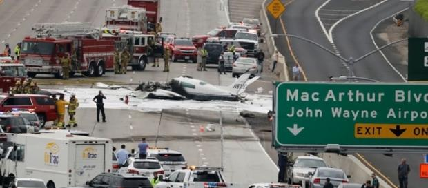 Photo Cessna 310 crashes on major California freeway screen capture from YouTube/Wochit News