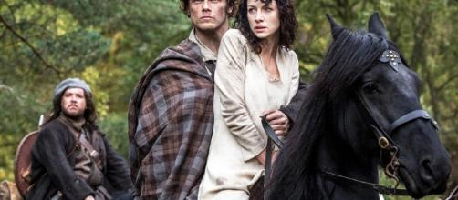 Caitriona Balfe and Sam Heughan are confirmed to grace the Comic Con 2017. Photo by TVGuide/YouTube Screenshot