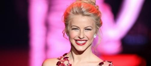 """""""Dancing with the Stars"""" judge Julianne Hough ties knot with longtime partner Brooks Laich. (Flickr/The Heart Truth)"""