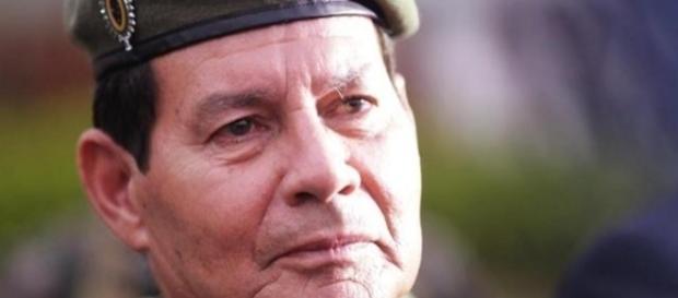 General Mourão é conhecido pelos intervencionistas