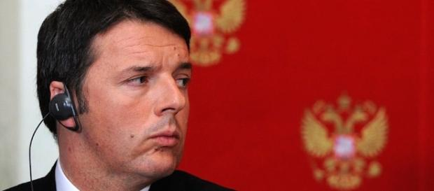 "L'ex premier Matteo Renzi pubblica ""Avanti"""