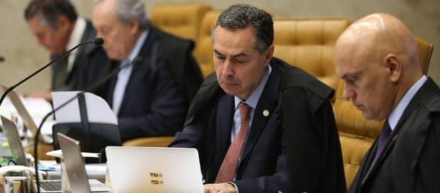 Ministro do STF retarda processo da Corte
