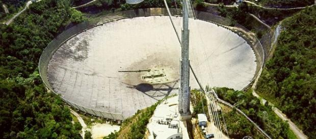 The Arecibo Radio Telescope. Photo credit: H. Schweiker via wikimedia.org.