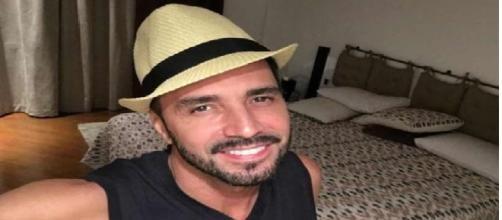 Latino está rindo à toa com R$ 6 milhões que ganhou em processo contra emissora
