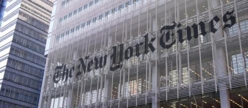 New York Times building. / [Image by Sam Chills via Flickr, CC BY 2.0]