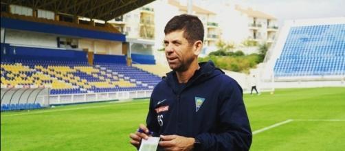 Novo treinador nunca dirigiu uma equipe brasileira (Foto: Reprodução)