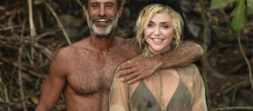 Paola Barale e Raz Degan, per lui è saltato il reality Mediaset che avrebbe dovuto portare il suo nome