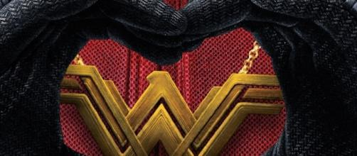 Ryan Reynolds congratulates Wonder Woman's box office income by dedicating a funny Instagram post to the movie. Image source: @vancityreynolds IG