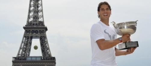 Une centaine d'athlètes soutient Paris 2024