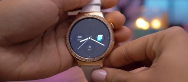 Android Wear 2.0 Hands on! (Image credit Android Authority | YouTube)