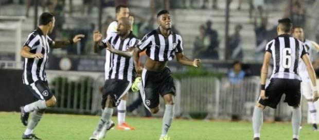 Emerson Santos está próximo do acerto com o Inter (Foto: Reprodução)
