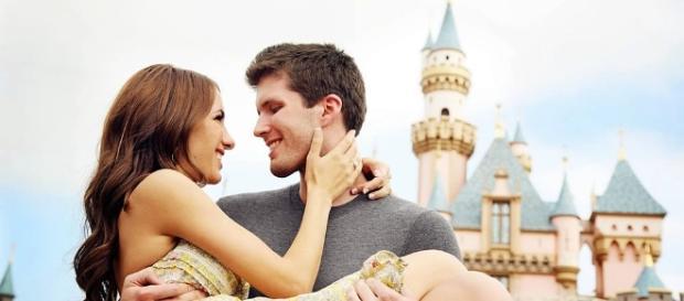 O que fazer para não deixar o relacionamento cair numa rotina. (Foto/google)