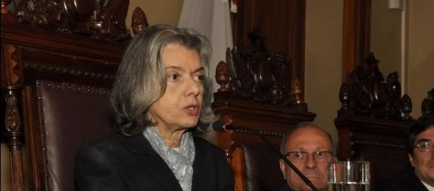 Presidente do STF, ministra Cármen Lúcia, proferiu decisão sobre reforma trabalhista