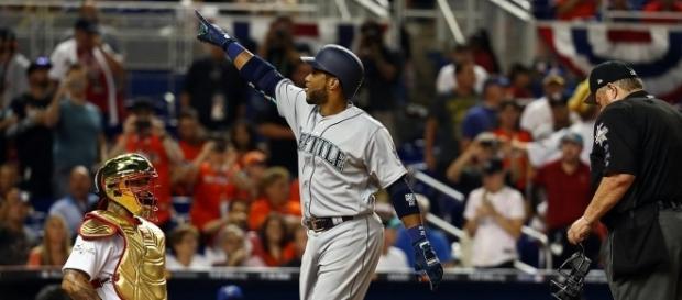 Robinson Canó le pescó una curva colgada a Wade Davis y esa fue la diferencia. MLB.com.