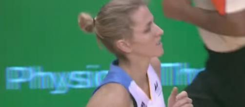 Allie Quigley scored 22 points to lead the Chicago Sky to victory over the Dallas Wings. [Image via WNBA/YouTube]