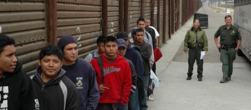 Border wall Mexico USA | qbac07 | Flickr - flickr.com