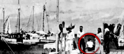 Expert Believes New Amelia Earhart Photo Is Not Her (Image credit Inside Edition | YouTube)