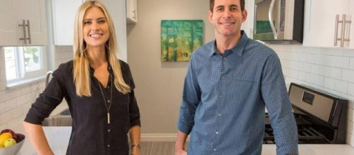 'Flip of Flop' stars Tarek and Christina El Moussa were off and she is now dating Doug Spedding.