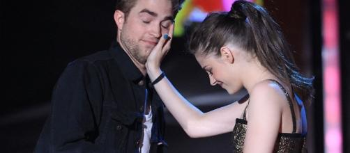 Kristen Stewart and Robert Pattinson are said to be on speaking terms again. Photo by Nicki Swift/YouTube Screenshot