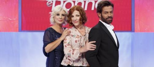 Uomini e Donne: Tina show contro Gemma, interviene Maria De ... - panorama.it