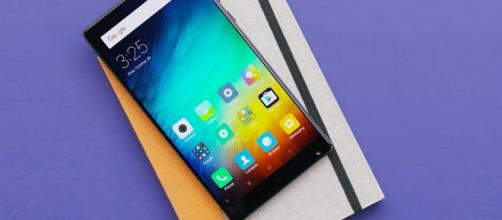 Xiaomi Mi Mix hands-on video shows off smartphones' crazy edgeless ... - bgr.com