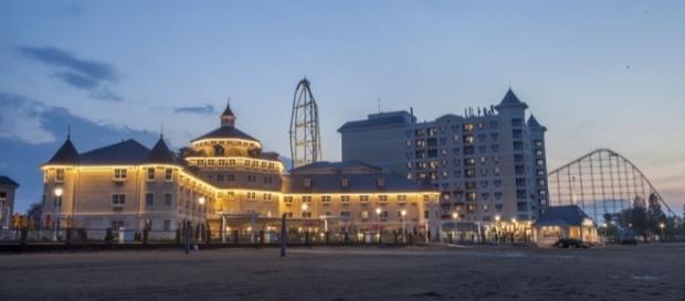 Cedar Point's Hotel Breakers in Sandusky   Hotel Rates & Reviews ... - orbitz.com