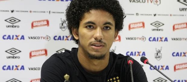 Douglas Luiz, jogador do Vasco da Gama que foi vendido ao Manchester City