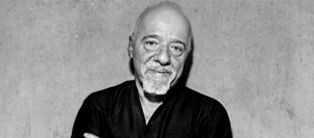 Paulo Coelho grava vídeo e menciona Rodrigo Janot.( Foto: Reprodução)