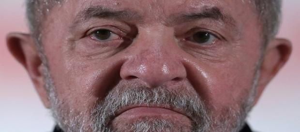 Sergio Moro condena Lula pelo caso do triplex no Guarujá