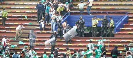 HABRÁ LEY PARA LA VIOLENCIA EN EL FÚTBOL… CREEMOS   Cápsulas de fútbol - elcolombiano.com