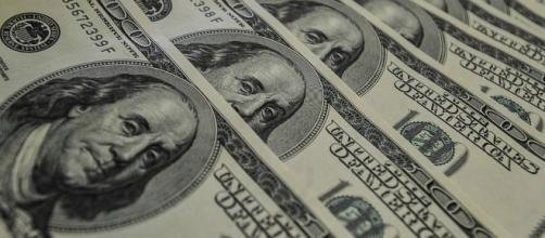 É hora de comprar dólar para a viagem? (Foto/Google)