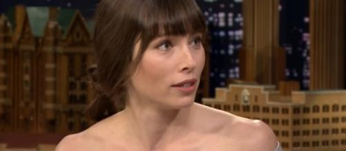 Jessica Biel shares how her marriage with Justin Timberlake works. Image via YouTube/Jimmy Fallon
